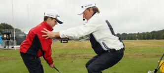 Von Bernhard Langer können sicher nicht nur junge Golfer etwas lernen. (Foto: Getty)