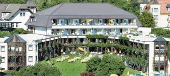Jetzt einen Reisegutscheinfür das Golf- und Seehotel Engstler am Wörthersee in Kärnten gewinnen.