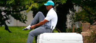Die letzten Vorbereitungen laufen. Tiger Woods ist endlich wieder fit und hat sein Comeback bekanntgegeben. (Foto: Getty)