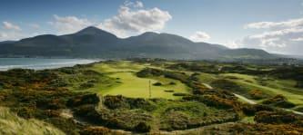 Der Royal County Down Golf Club in Nordirland ist von