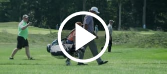 Golf Video Phil Mickelson mit jungem Fan als Caddie