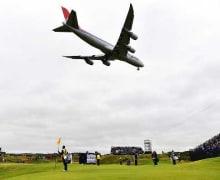 Bizarre-Golf-Ereignisse-Flugzeug