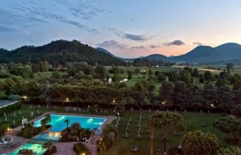 Das Radisson Blu Resort in Venetien liegt in traumhafter Lage für alle Golfer. (Foto: Musement)