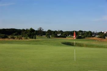 Weinberg Golfakademie