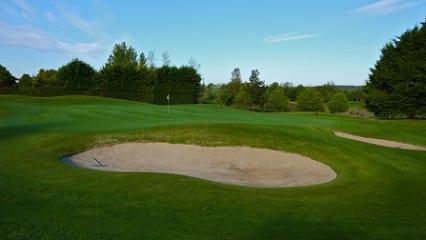 Das 15. Grün im Athenry Golf Club.