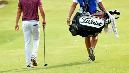 Trennung-Golfer-Caddie