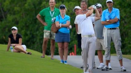 Golfprofis tragen Alberto Golf