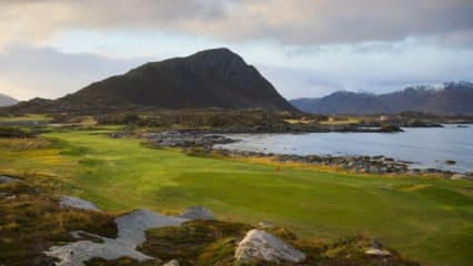 Lofoten-Golf-Links-1st_Kevin-Murray