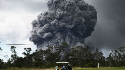 Naturschauspiel: Golfen am Rande eines aktiven Vulkans