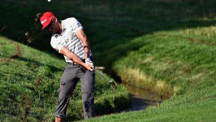 Nasse Füße und irre Hosen - Auftakt der PGA Championship