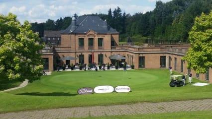 klein_Kosaido_Int_golfclub_Clubhaus