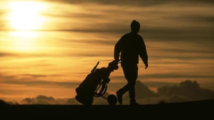 Schieben, tragen, ziehen - Wie transportieren Sie ihr Golfbag?