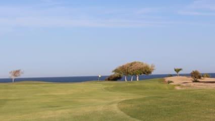 cascades_golf_soma_bay_2