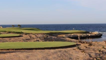 cascades_golf_soma_bay_3