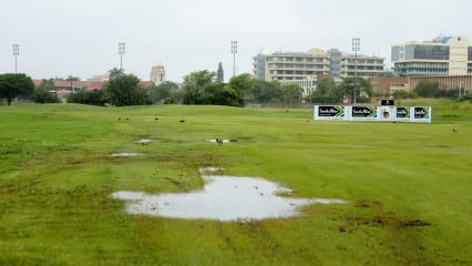 Golf Post - Fairways unter Wasser in Durban