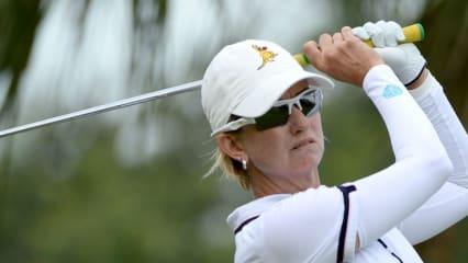Die Australierin Karrie Webb verteidigte am zweiten Tag der HSBC Women's Champions die Führung und steuert somit auf ihren zweiten Saisonsieg zu