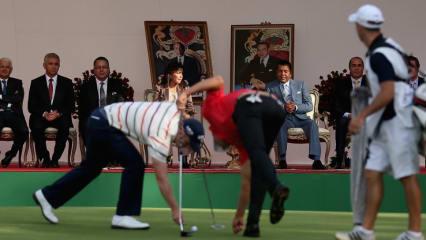 Bei der Trophée Hassan II in Marokko wird unter den Augen des Prinzen und seiner Gefolgschaft geputtet. (Foto: Getty Images)