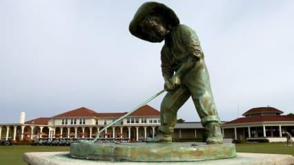 Eine Statue des