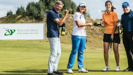 Eine 9-Loch-Runde im Texas Scramble Format gegen die LET-Spielerin Karolin Lampert (2. v. li.) stand für die Golf Post Gewinnerin (2. v. re.) und zwei weitere Glückspilze auf dem Programm. (Foto: Mercedes-Benz)