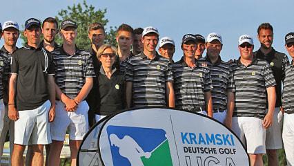 Der Frankfurter Golfclub feierte am fünften Spieltag im Golfclub Hösel den Sieg und den Klassenerhalt.