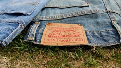Jeans Golfplatz Etikette