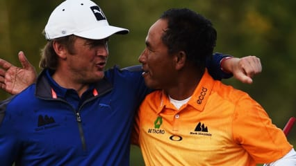 Sieger der European Open 2015, Thongchai Jaidee (re.), und Pelle Edberg im Sept. 2015. (Foto: Getty)
