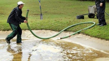 Auch der Turniersamstag der Sanderson Farms Championship ist von heftigen Regenfällen geprägt. (Foto: Getty)