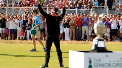 So will er wieder jubeln: Bernhard Langer vor zwei Jahren beim Sieg der Senior Open Championship. (Foto: Getty)