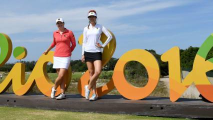 Caroline Masson (l.) und Sandra Gal halten bei Olympia 2016 in Rio de Janeiro die deutschen Farben hoch.