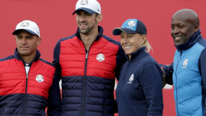 Kelly Slater, Michael Phelps vom Team USA mit Martina Navratilova und John Regis vom Team Europa (v.l.). (Foto: Getty)