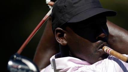 Michael Jordan ist leidenschaftlicher Golfer und setzt dabei gerne größere Summen Geld bei Wetten ein.