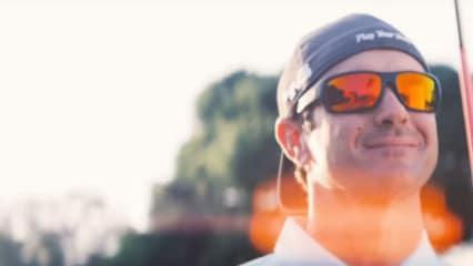 Bubba Watson nimmt Golf immer und überall mit hin. (Screenshot: Youtube/Oakley)