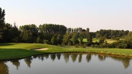 Golf Mitgliedschaft: Mit dem Golf Post Special können Sie sowohl die Plätze des Golf Club Oberhausen als auch Schloss Horst spielen und sparen sich die Aufnahmegebühr. (Foto: Golfclub Oberhausen)
