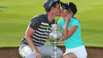 Chris Paisley mit seiner Frau, die bei der South African Open als Caddie an seiner Seite war. (Foto: Getty)