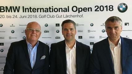 Josef Spyth, Geschäftsführer des GC Gut Lärchenhof, Friedrich Ebel, Leiter Sportmarketing BMW, und Marco Kaussler (v.l.n.r.), Turnierdirektor, bei der ersten Pressekonferenz der BMW International Open 2018. (Foto: Golf Post)