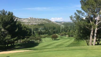 Ein wunderschöner Ausblick vom Grün des 17. Lochs des Golf de Servanes in der Provence. (Foto: Golf Post)