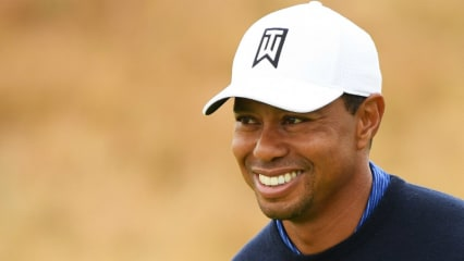 Ein glücklicher Tiger Woods ist wieder in den Top 50 der Golf-Weltrangliste zu finden. (Foto: Getty)