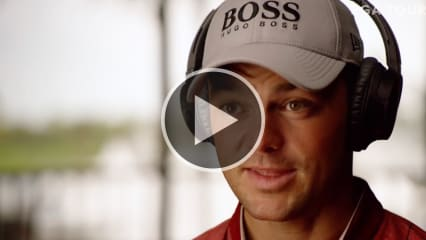 Martin Kaymer beim Listening für den neuen Song der Players Championship. (Foto: Youtube/@PGA Tour)