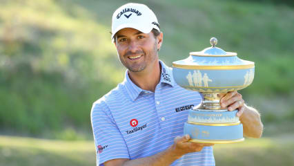 Kevin Kisner mit der Trophäe des World Golf Championshop - Dell Technologies Matchplay. (Foto: Getty)