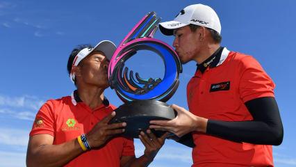 Thongchai Jaidee und Phachara Khongwatmai gewinnen das GolfSixes Turnier der European Tour. (Foto: Getty)