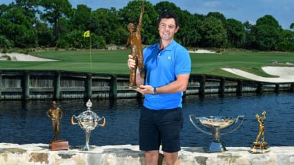 Rory McIlroy mit dem Jack Nicklaus Award. (Foto: Twitter/@McIlroyRory)