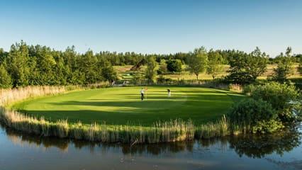 Die Golfanlage Hohwacht kann durch die Ostseeküste in direkter Nähe bestechen. (Foto: Golfanlage Hohwacht)
