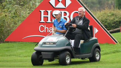 John Paramore (rechts) hat Schiedsrichtern der European Tour im Kampf gegen Slow-Play mehr Handlungsspielräume geschaffen. (Bildquelle: Getty)
