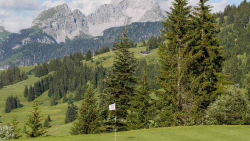 Alpines Golf in der Schweiz: Schmuckstücke auf höchstem Level