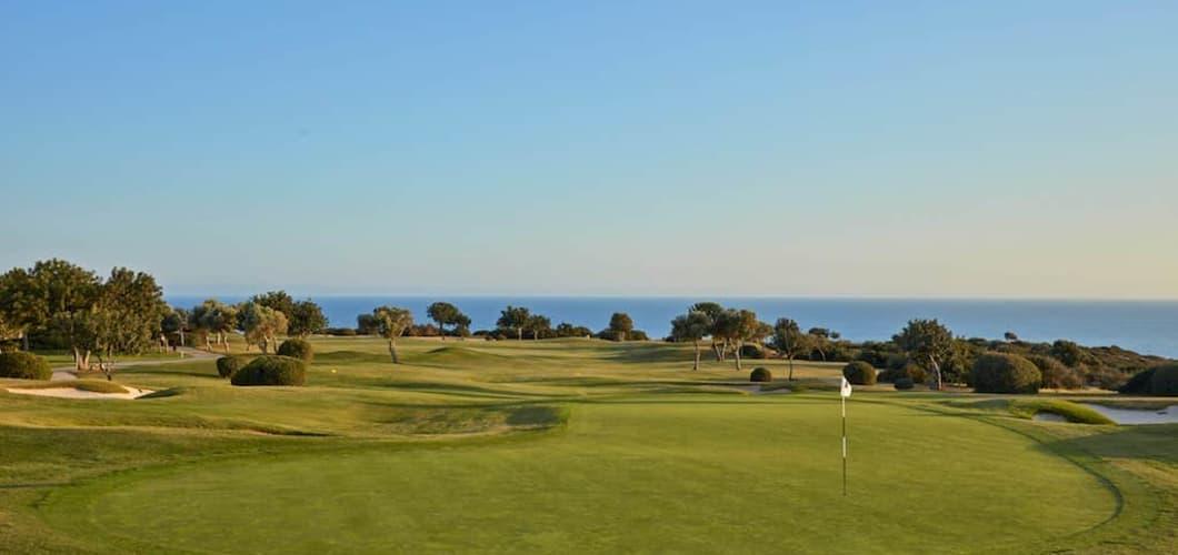 Verbringen Sie einen entspannten Golfurlaub auf Zypern. (Foto: Aphrodite Hills Hotel)