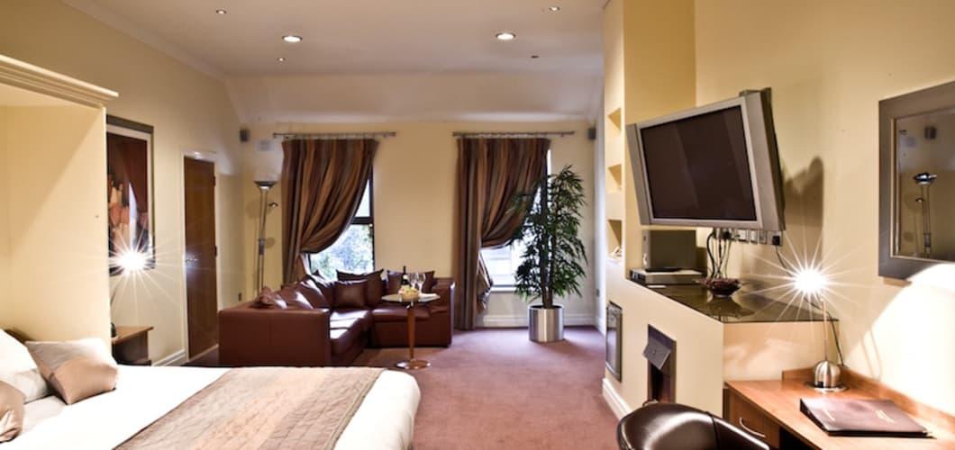 In diesem gemütlichen Doppelzimmer können Sie übernachten.