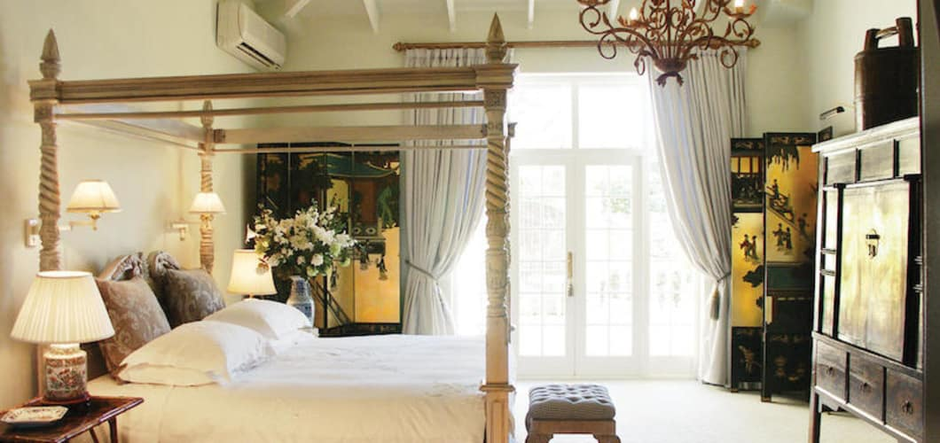 colona_castle_accchinese_suite_bedroom.jpg