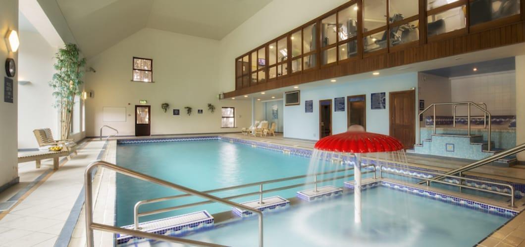 Der Swimming Pool des Freizeitclubs.