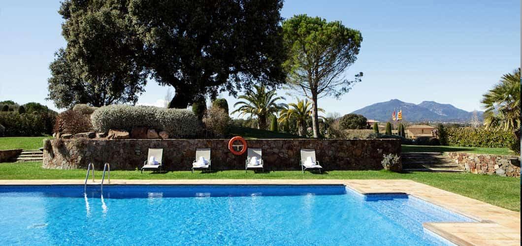 Ausserdem bietet das Resort auch einen Outdoorpool. (Foto: Golf Holiday Italy)