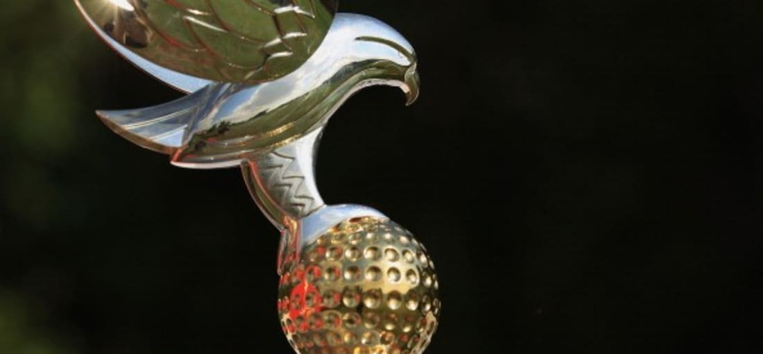 <h2>Einen Golfball fest in den Klauen</h2>